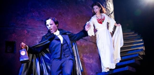 Derrick Davis and Katie Travis star in 'Phantom of the Opera.'