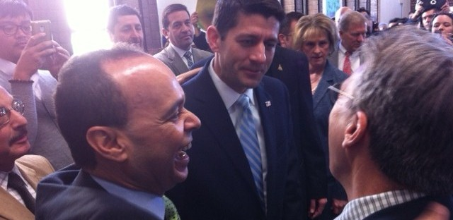 Gutierrez, Ryan push immigration overhaul in Chicago