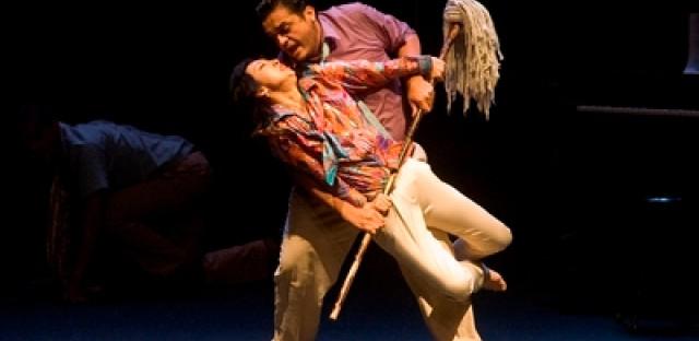 Teatro de Ciertos Habitantes rides again with Opera gone wild!