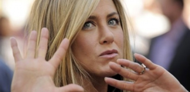 Correction: Jennifer Aniston is not pregnant
