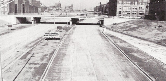 From downtown, a view of the building of the Northwest Expressway in the 1950s. In the 1960s it was renamed the Kennedy Expressway.