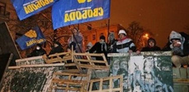 Amidst protests, Ukraine's Yanukovich calls for talks
