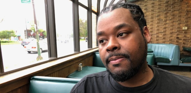 Riccardo Holyfield believes his cousin was murdered by a serial killer preying on black women in Chicago.