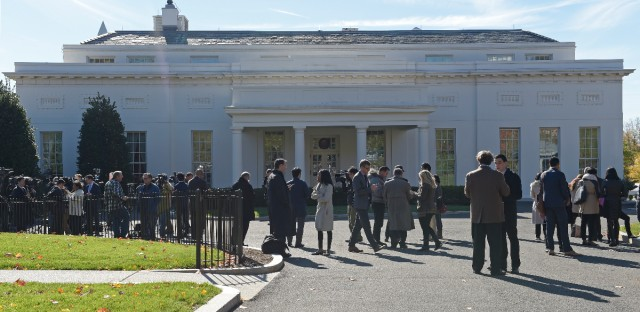 People gather outside the West Wing of the White House in Washington, Thursday, Nov. 10, 2016, as they wait for the arrival of President-elect Donald Trump to the White House for his meeting with President Barack Obama. (AP Photo/Susan Walsh)