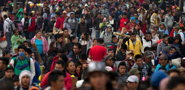 mexico city crowd 2