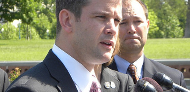 Congressman Kinzinger joins Mayor Emanuel to talk immigration reform