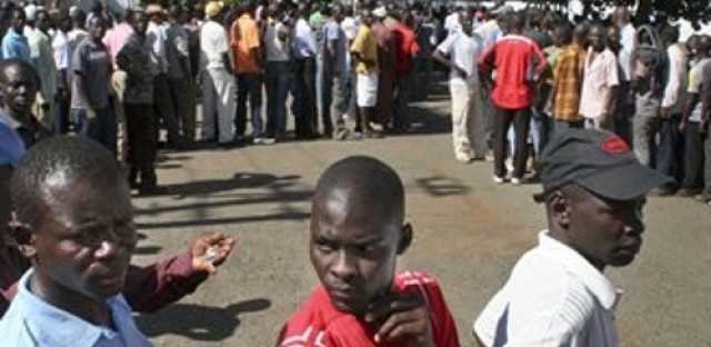 Candidate accused of crimes against humanity leads in Kenyan polls