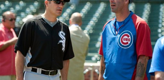 White Sox manager Robin Ventura and Cubs manager Dale Sveum at Wrigley Field