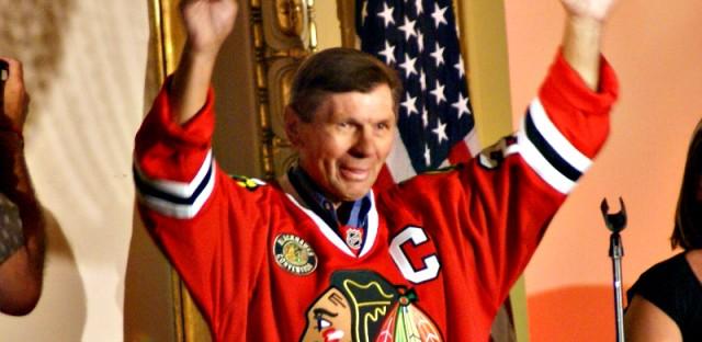 Blackhawks legend Stan Mikita fact-checks his Wikipedia File