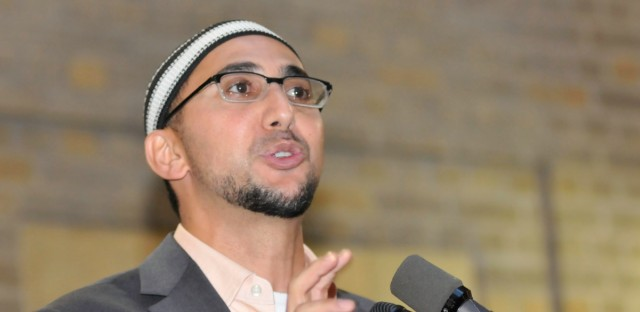 Rami Nashashibi, executive director of Inner City Muslim Active Network in Chicago, addresses the audience at the Second Annual IFTAR held at the United States Department of Agriculture, in Washington, D.C. on Tuesday, Aug. 31, 2010.
