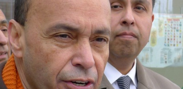U.S. Rep. Luis Gutiérrez and Cicero candidate Juan Ochoa, right, call Monday for investigations of alleged voter intimidation.