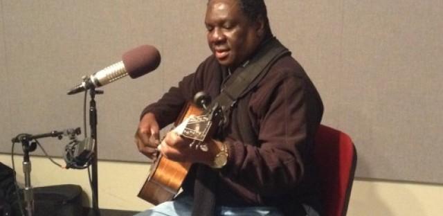 Vusi Mahlasela performs