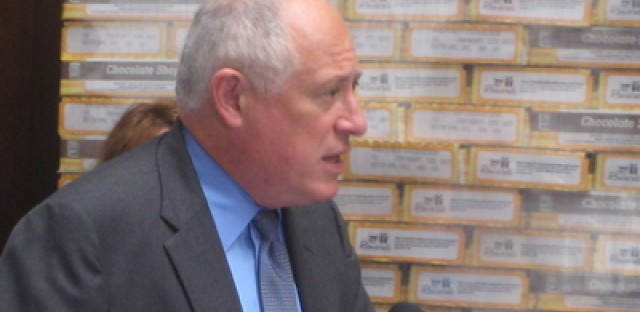 Quinn denies responsibility for cutting pay raises to state employees