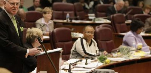 Aldermanic panel outlines priorities for Chicago's 2012 budget