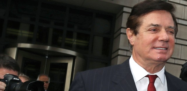Former Trump campaign chairman Paul Manafort leaves the federal courthouse in Washington, D.C., after a bail hearing on Nov. 6.