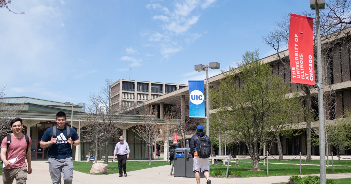 Illinois Higher Education Leaders Withholding Judgment On Pritzker's Budget Bet