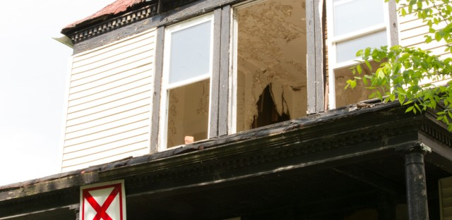 The city affixed 1,804 red X signs to buildings deemed structurally unsound.