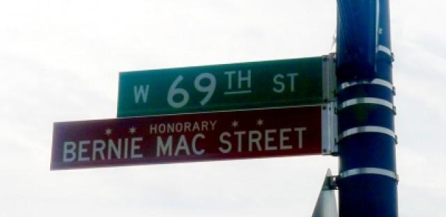 Comedian Bernie Mac gets honorary Chicago street