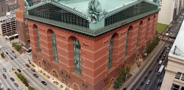 The Harold Washington Library, designed by Chicago architect Thomas H. Beeby.