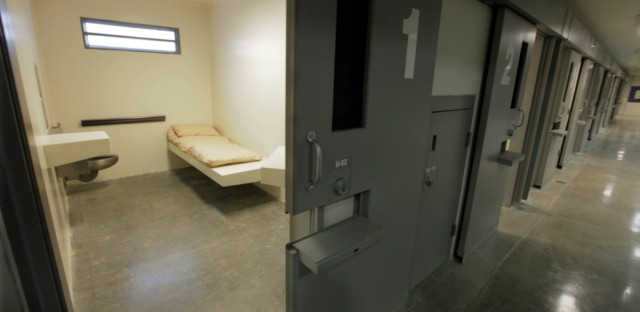 A cell is shown at the Thomson Correctional Center in 2009.